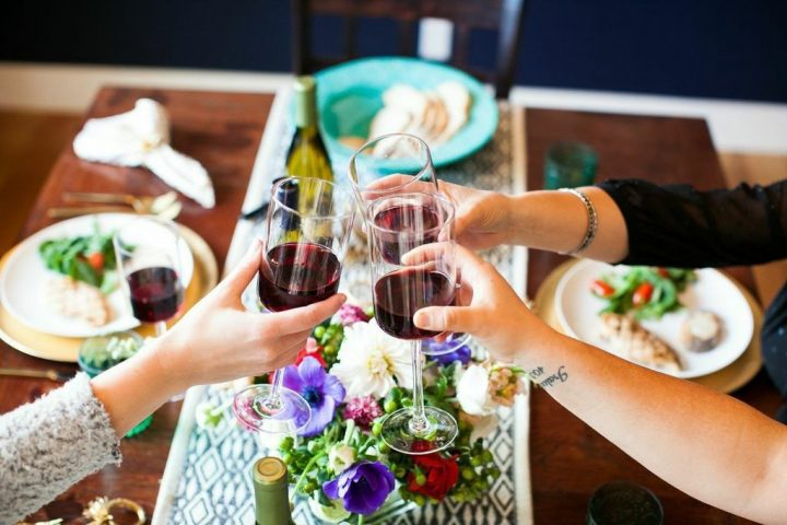 Top 10 Essentials for Hosting a Dinner Party